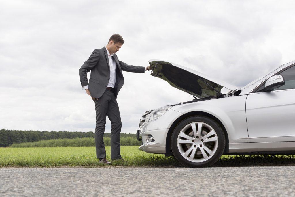 autopech-lege-tank-benzine-op-doorrijden-zonder-brandstof